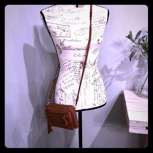 Handbags - NWOT cellphone wallet crossbody purse